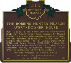 4-45 The Robbins Hunter Museum Avery-Downer House