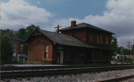 6-74 Tiffin Train Depot