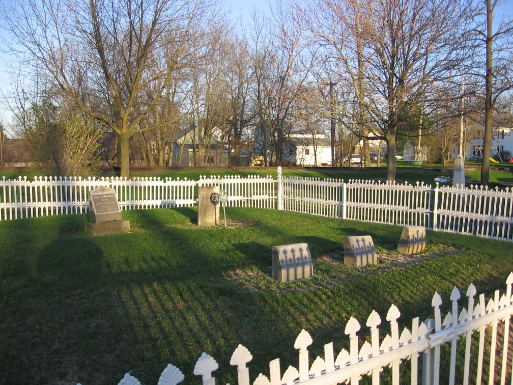 5-87 Gravestones in  Howard Cemetery