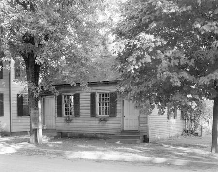 14-27 First Post Office in Gallipolis