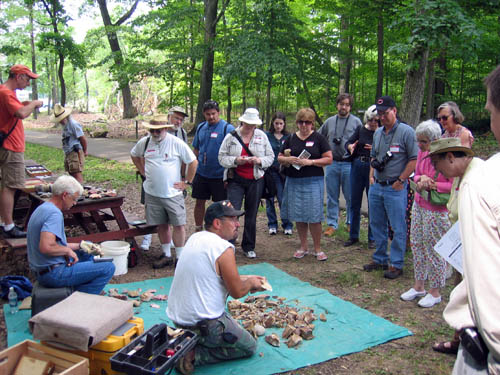 16-45 Flintnappers demonstration at Flint Ridge