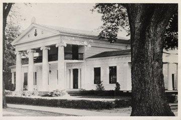 4-45 Avery-Downer House