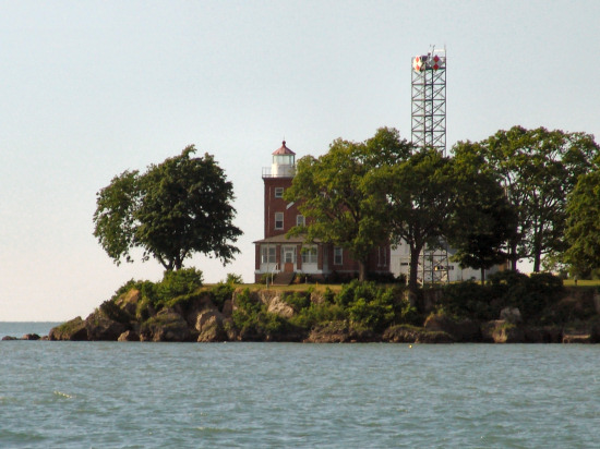 9-62 South Bass Island Light